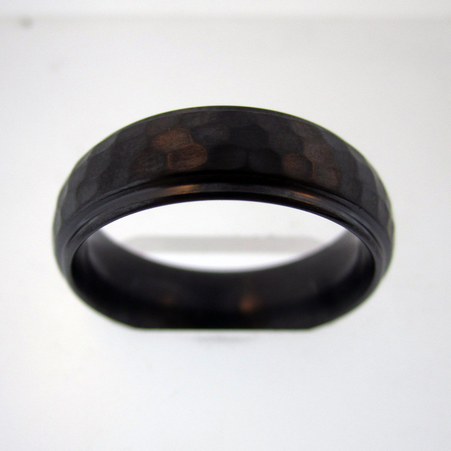 HSR Zirconium Hammered Band