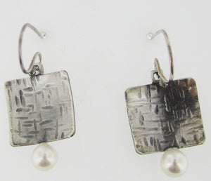 Sterling Silver & Pearl Drop Earring