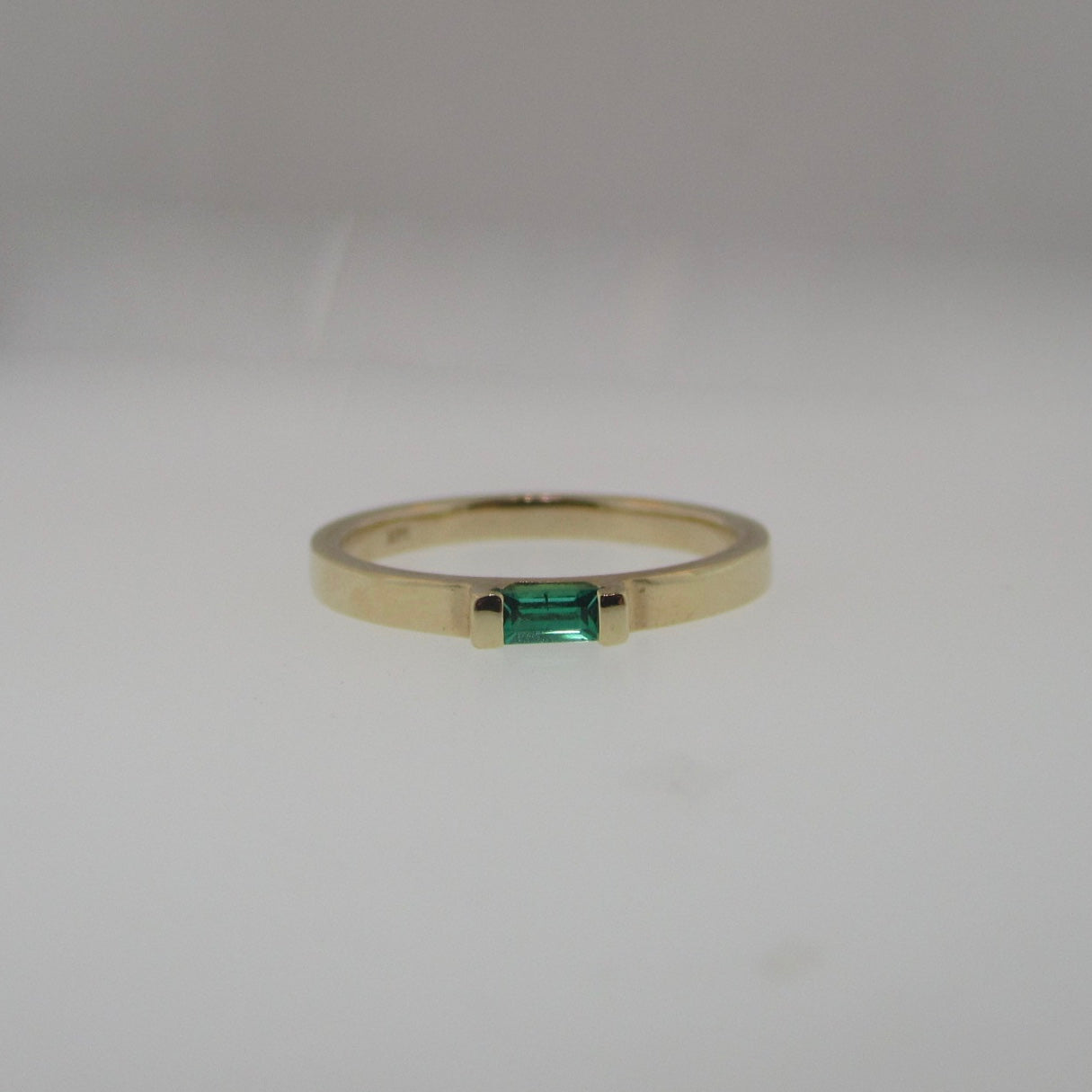 14k Yellow Gold Chatham-Emerald Ring