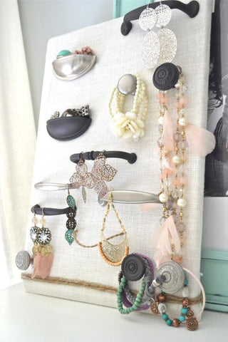 7 Lovely DIY Ways to Organize Your Jewelry