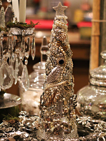 DIY Holiday Decorations with Vintage Jewelry | BMJ Blog
