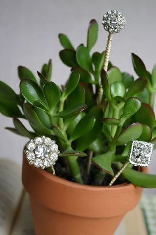 Try these fun ways to repurpose your vintage jewelry this holiday season. | Barbara Michelle Jacobs Blog