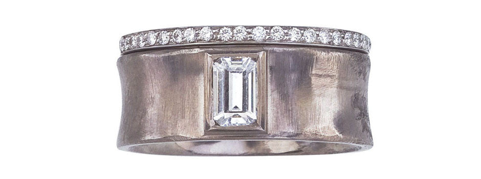 Balance Concave Diamond Ring