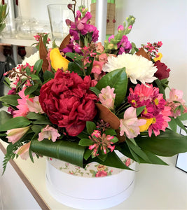 Ann Hatbox Arrangement