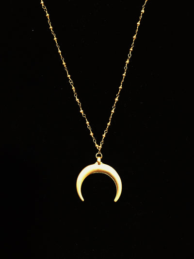 cresent moon pendant necklace