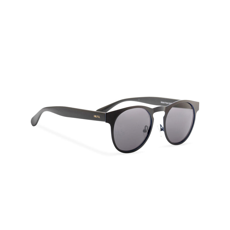 Side view of black sunglasses GAL Ibiza style thin metal frame