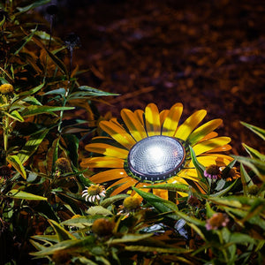 Desert Steel Butter Yellow Daisy Solar Garden Light