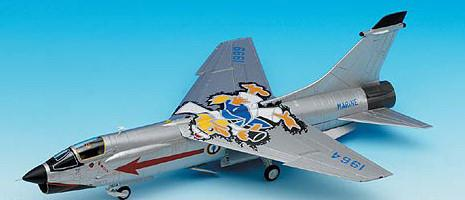 Academy Aircraft 1/72 F8P Crusader French Navy Special Jet Fighter Kit