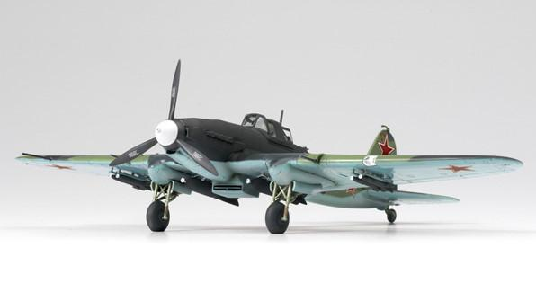 Academy Aircraft 1/72 IL2M Stormovik Fighter Kit