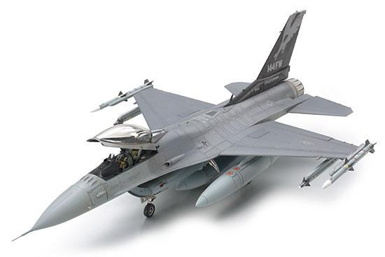 Tamiya Aircraft 1/48 F16C Block 25/32 Fighting Falcon ANG Aircraft Kit