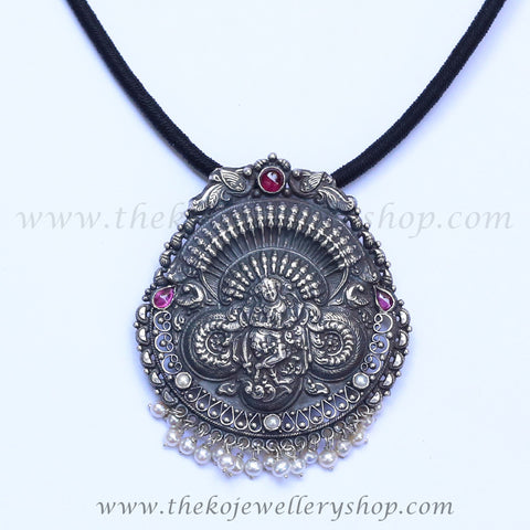 Antique silver pendant for women