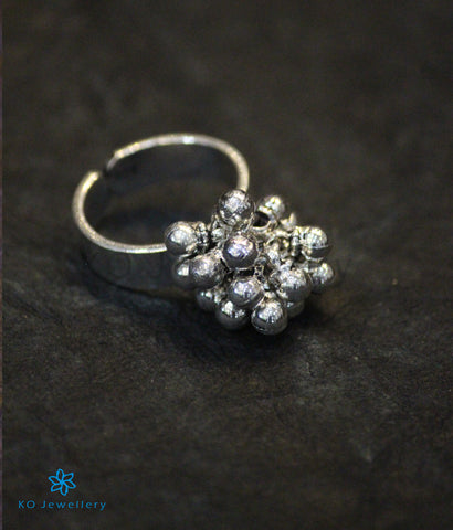 The Kadambini Silver Finger Ring