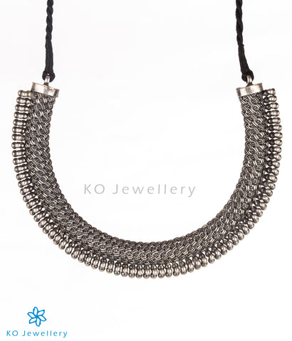 The Pradyumna Silver Necklace