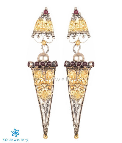 The Akhyana Silver Earrings (Two-Tone)