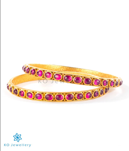 Tastefully decorated gold-plated temple jewellery bangles