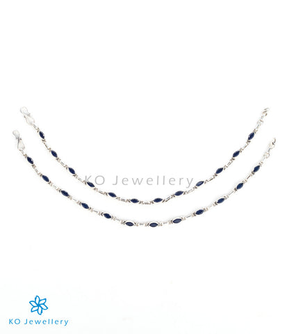 Delicate anklets with blue gemstones