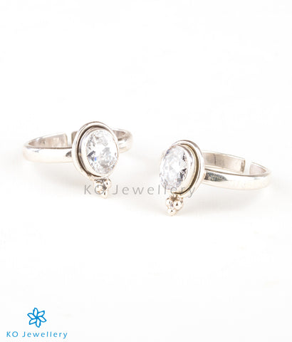 The Abhith Silver Toe-Rings (White)