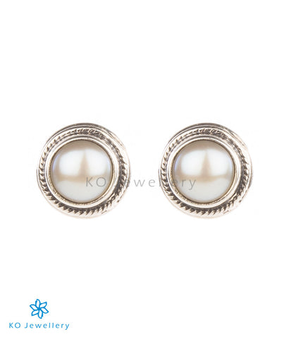 The Prisha Silver Earrings(Pearl)