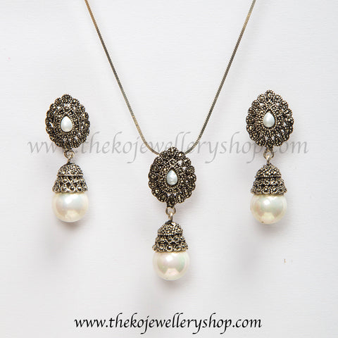 Buy online hand crafted silver pearl Pendant Set for women