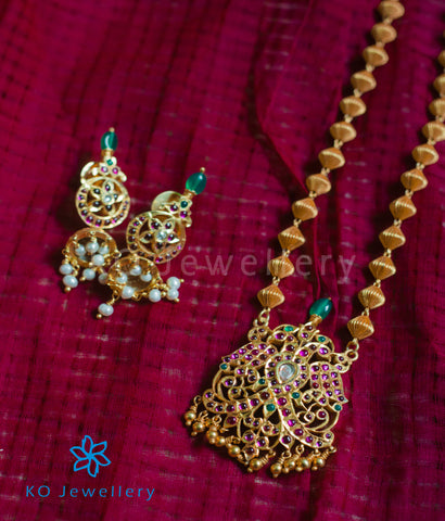 Stunning gold plated long necklace with gemstones