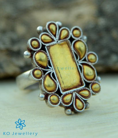 The Anvaya Silver Finger Ring