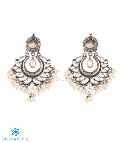 The Samatva Silver Earrings (Pearl)