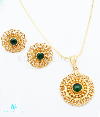 The Yuktvaa Silver Pendant Set (Green)