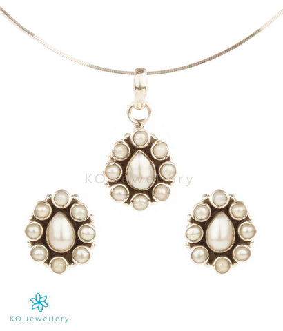 Silver and pearl pendant set fine gemstone jewellery online India