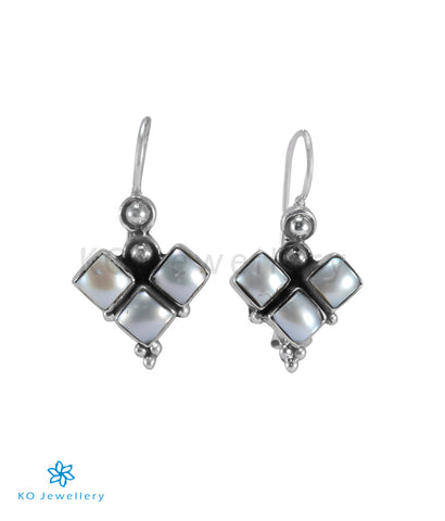 The Yaman Silver  Gemstone Earrings (Pearl)