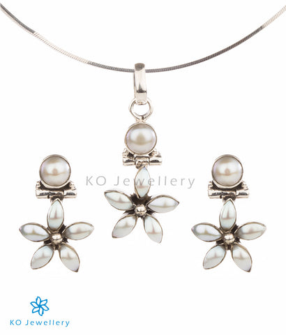 Elegant and tiny flower pendant set pearl jewellery India