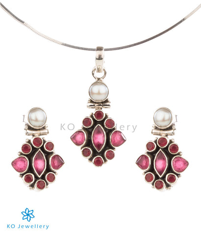 Red zircon and silver fine pendant set for office wear