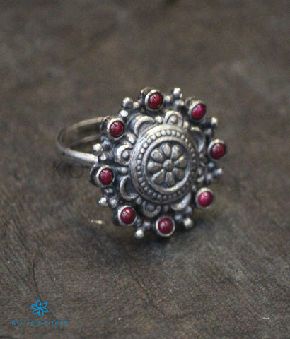 The Urvi Silver Finger Ring