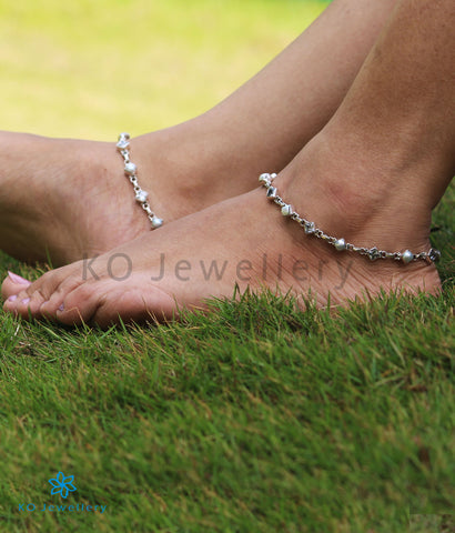 The Pahal Silver Gemstone Anklets (Pearl/Zircon)