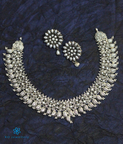 The Mukta Silver Pearl Necklace (Oxidised)
