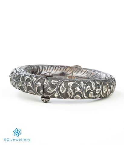 The Yudhvan Antique Silver Bracelet