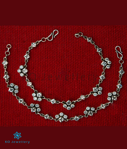 The Pratham Silver Gemstone Anklets (White)