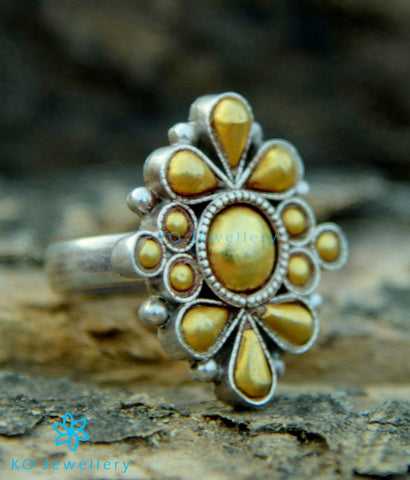 The Anvita Silver Finger RIng