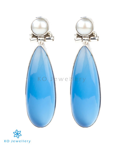 Pearl and blue onyx dangling earrings online