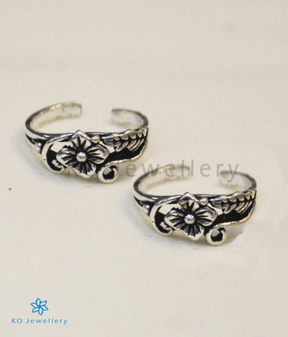 The Poorvi Silver Toe-Rings