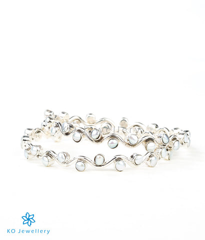 The Rasophala Silver Pearl Bangle
