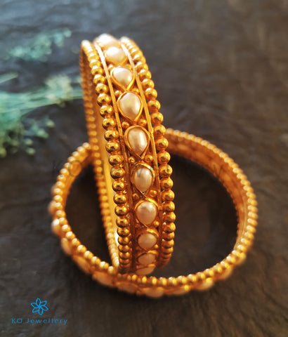 The Mukta Silver Pearl Bangle (Size 2.4)