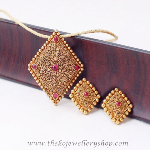 temple jewellery gold plated pendant set for women