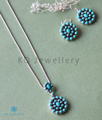 The Pranavi Silver Gemstone Pendant Set (Turquoise)