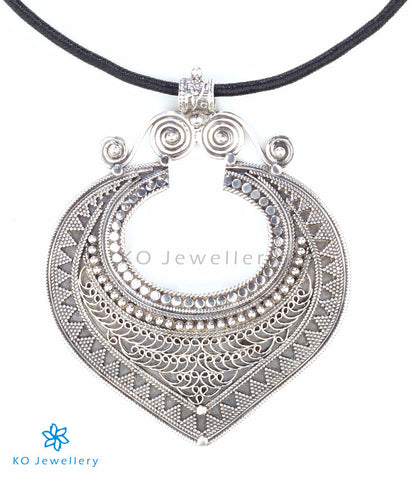 The Hrdha Silver Pendant