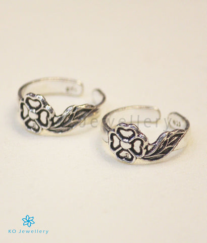 The Saumanasa Silver Toe-Rings