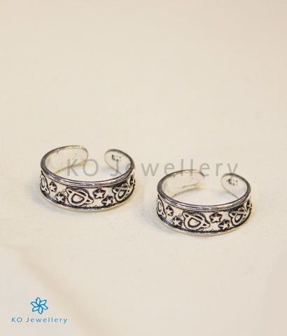 The Pranith Silver Toe-Rings