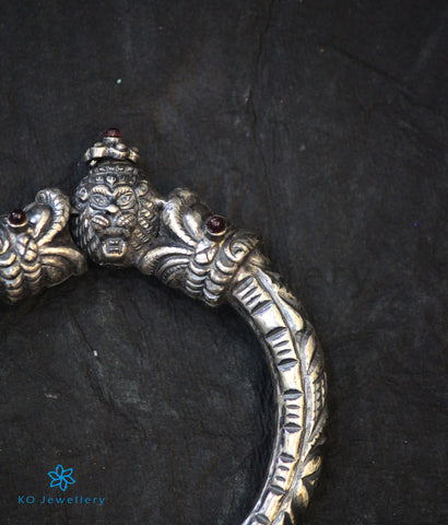 The Vyuha Antique Silver Kada(Oxidised)