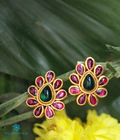 The Tejas Silver Kempu Ear-Studs(Red/Green)