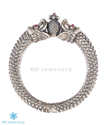 The Graha Antique Silver Kada(Oxidised)