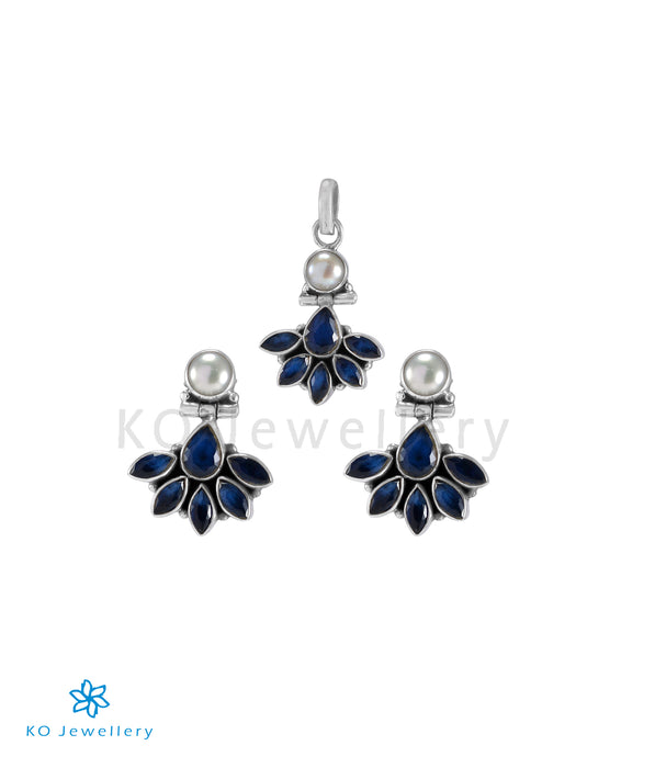 The Prerna Silver Gemstone Pendant Set(Blue)
